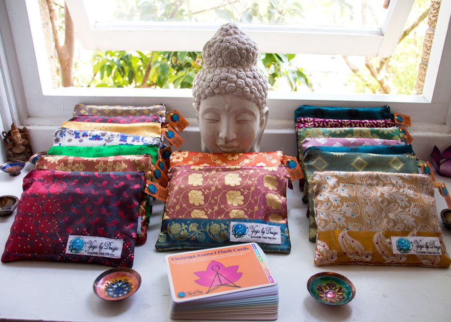 Viniyoga Asana I flash cards in pouches made of Indian Sari